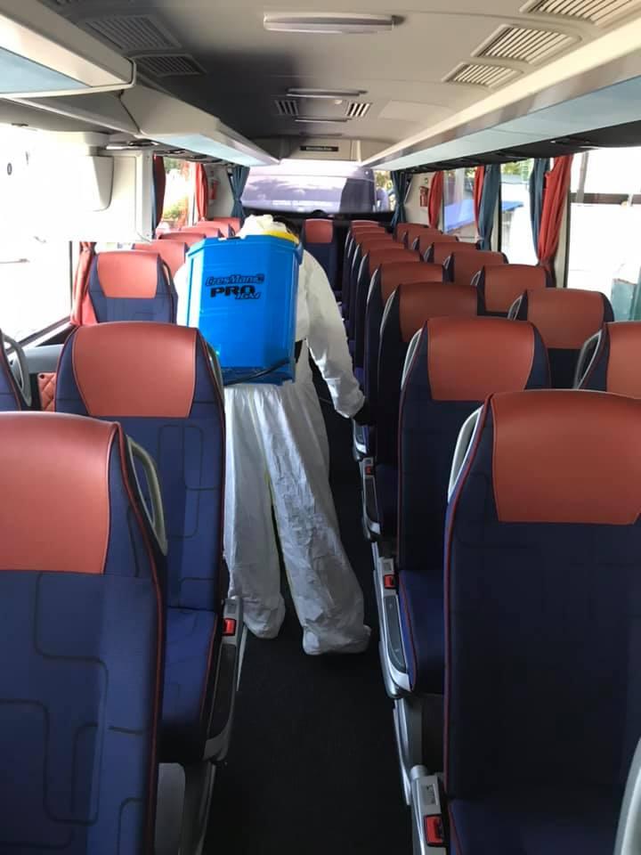 Στόχος μας, η ασφάλεια όλων! Συνεχείς εργασίες απολύμανσης, τόσο στους κοινόχρηστους χώρους όσο και στον στόλο των λεωφορείων μας.
